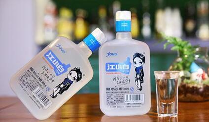 江小白白酒
