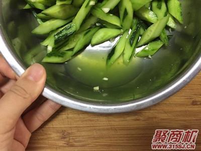 炝黄瓜家常做法大全步骤图5